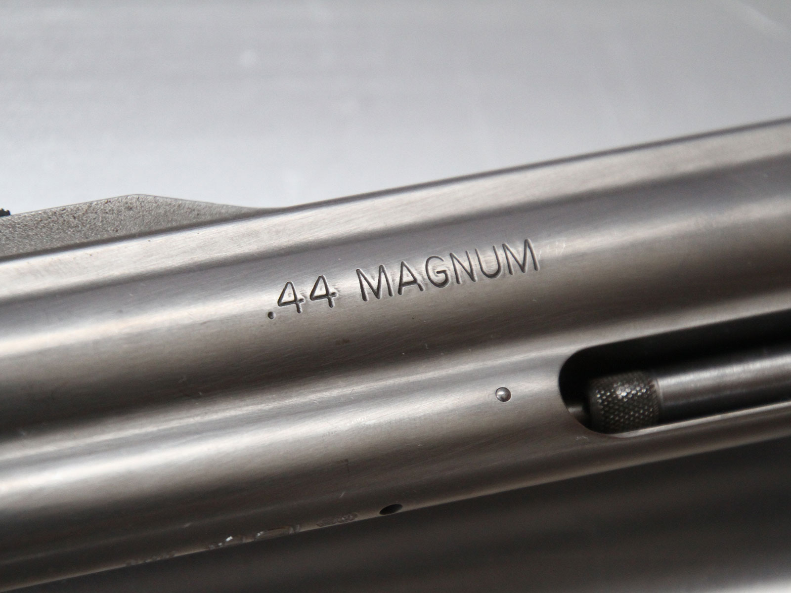 SH_Web_Wir_Waffen_Smith-Wesson-44-Magnum-2_1800x1200