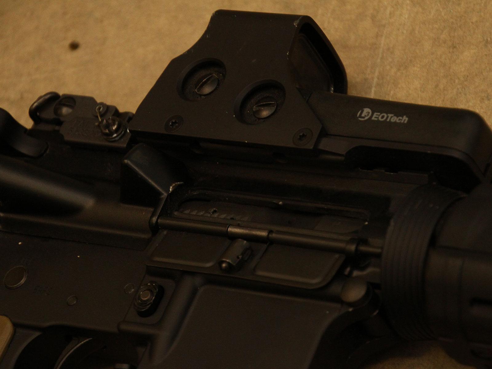 SH_Web_Wir_Waffen_Sabre-Defence3_1600x1200